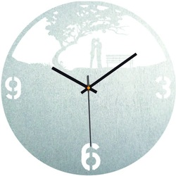 Wooden clock - couple in the park - natural and colorful | SENTOP PR0448