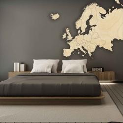Fából készült térkép Európa falán | SENTOP