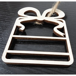 Wooden decoration for a tree, size: 68x80 mm