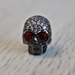 Metal skull with zircons - black