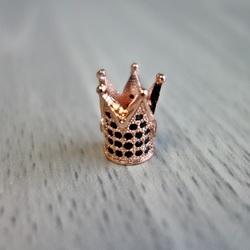 Metal crown with black zircons - copper