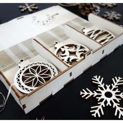 Wooden christmas decoration, set contains 18 pieces