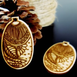 Ornaments for Christmas tree, size: 65x40 mms